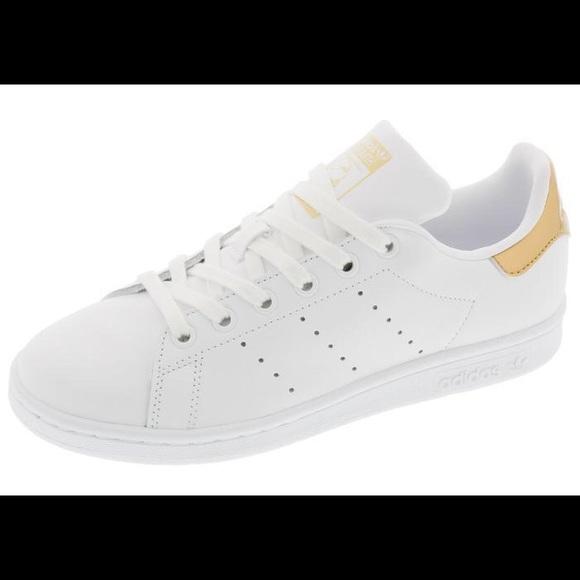 Adidas Stan Smith nueva marca de poshmark